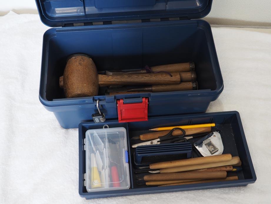 木彫道具箱