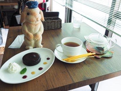 カフェ・ミニヨンに行きました